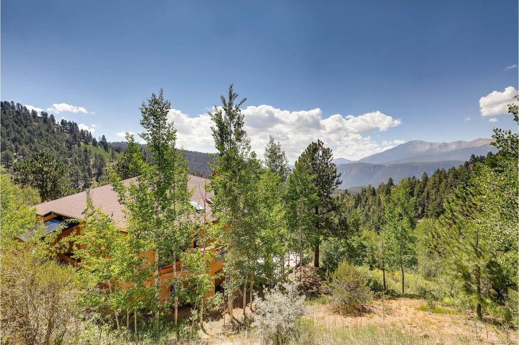 9570 Canyon Dr Green Mountain Falls, CO 80819