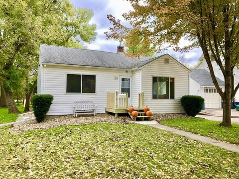 402 N 5th St, Marshall, MN 56258