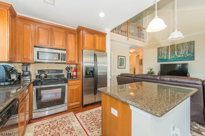 6407 Brookhaven Ct, Riverdale, NJ 07457