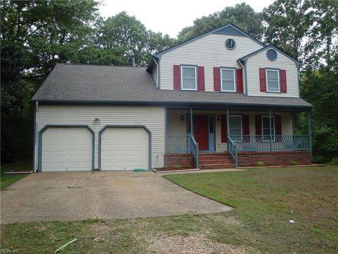 Photo of 102 Chatham Ct, York County, VA 23692