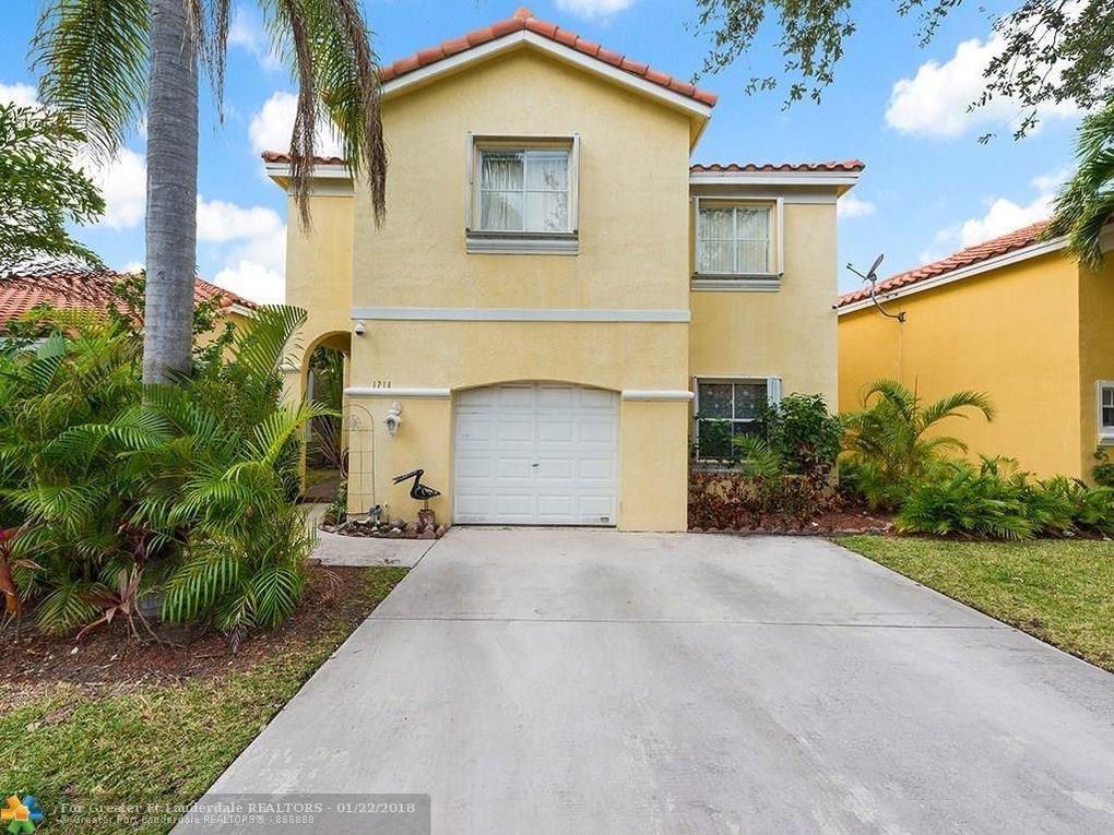 1714 Royal Palm Way, Hollywood, FL 33020