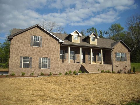 585 Bridle Path Ln, Hartsville, TN 37074