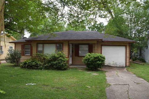 3695 Steelton St, Beaumont, TX 77703