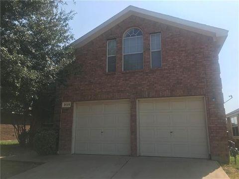 Photo of 2828 Fieldstone Dr, Grand Prairie, TX 75052