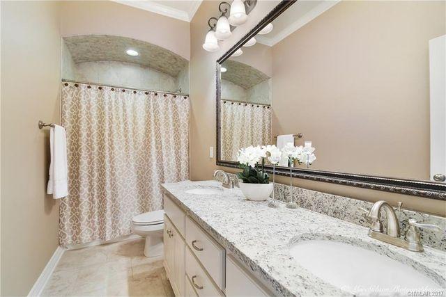 216 A W Dr  Stonewall  LA 71078   Bathroom. 216 A W Dr  Stonewall  LA 71078   realtor com