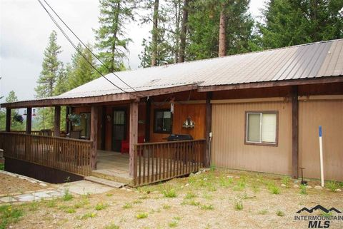 222 Holiday Dr, Garden Valley, ID 83622