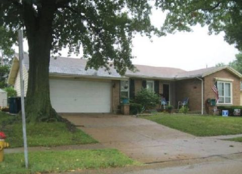 Columbia Il Houses For Sale With Swimming Pool Realtorcom