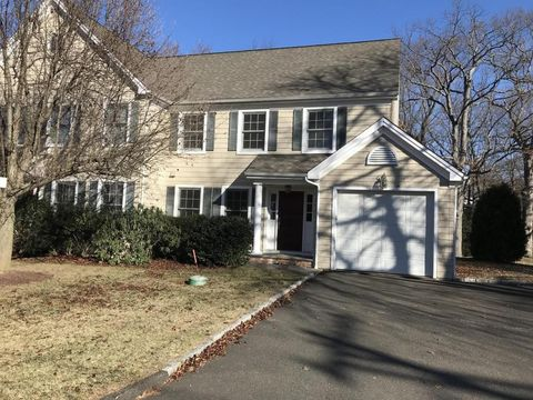 72 Summer St Unit B, New Canaan, CT 06840