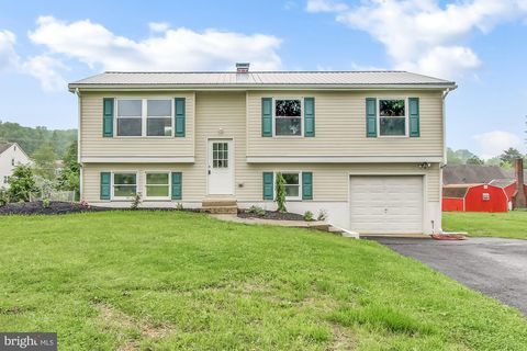 Photo of 2041 Old Lancaster Pike, Reading, PA 19608
