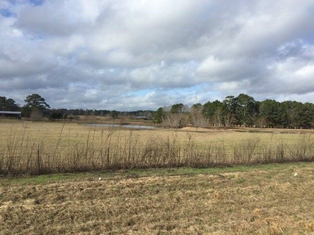 61 County Road 266, Shubuta, MS 39360