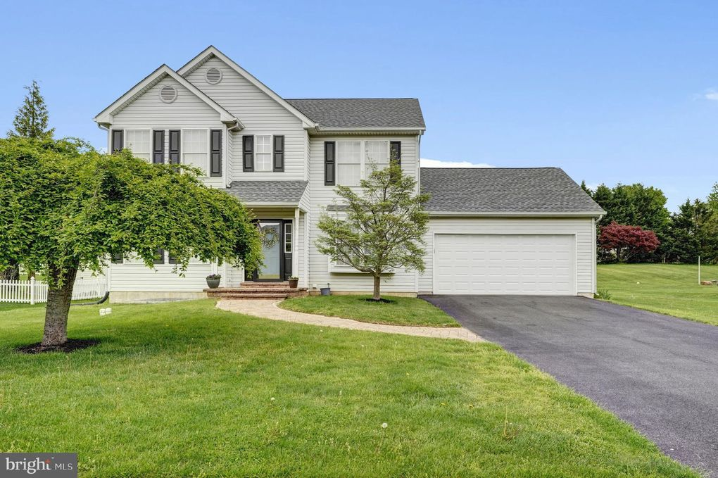 325 S Brookside Dr Oxford, PA 19363