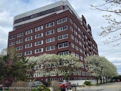 80 Bay St Lndg Unit 4A Staten Island, NY 10301