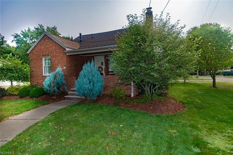 214 23rd St Nw, Massillon, OH 44647