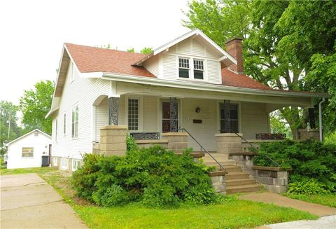 Photo of 413 E Marion St, Knoxville, IA 50138