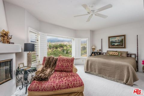 Photo of 4440 Shadow Hills Cir Apt A, Santa Barbara, CA 93105
