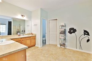 249 Gracie Gardens Ct, Newnan, GA 30263   Bathroom