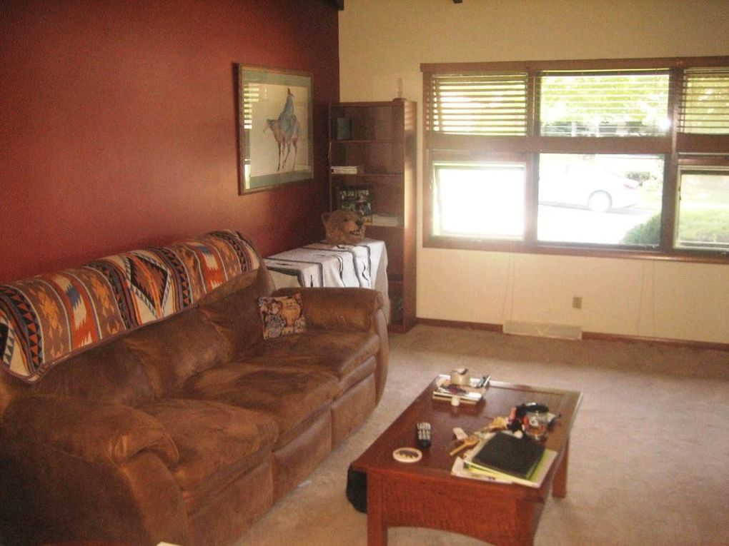 507 Fremont St, Plymouth, WI 53073
