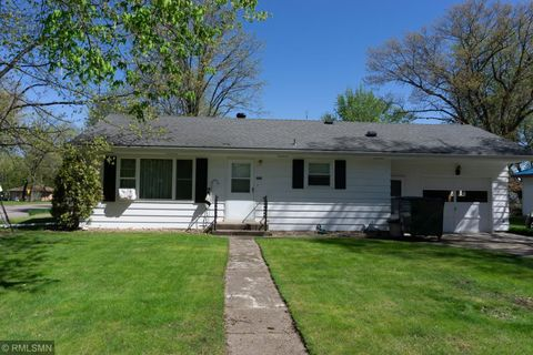 Photo of 260 7th St Nw, Milaca, MN 56353