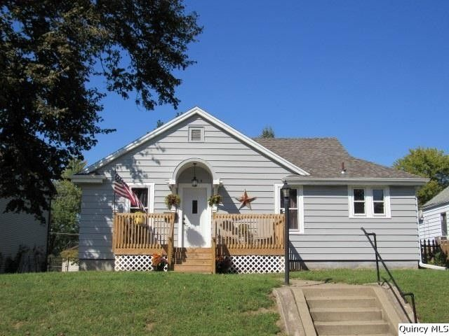1825 Cherry, Quincy, IL 62301 a single family home is 944 Sq. Ft., 2 beds, and 1 baths. Visit 11 photos on realtor.com(R), listing value of $89,900.