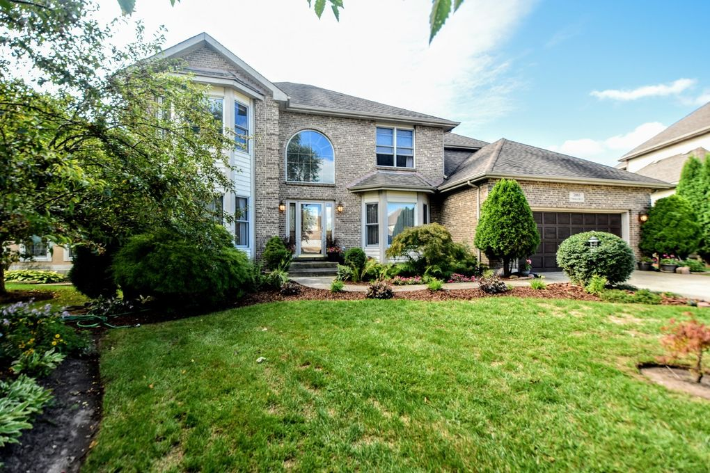 2883 N Southern Hills Dr Wadsworth, IL 60083