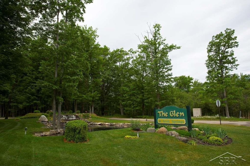 5715 County Kerry Dr, Caseville, MI 48725