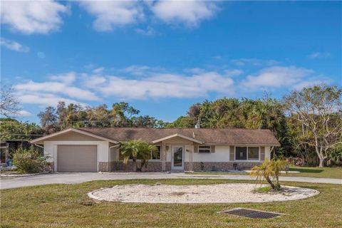 2489 Auburn Blvd, Port Charlotte, FL 33948