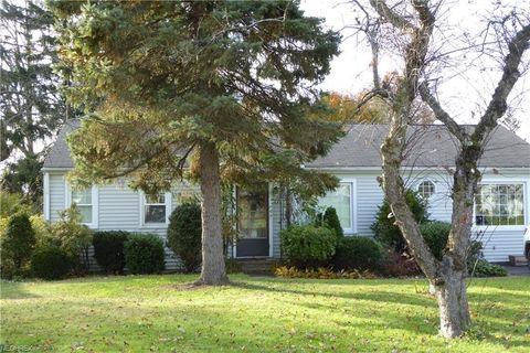 Photo of 12636 Ward Dr, Chesterland, OH 44026