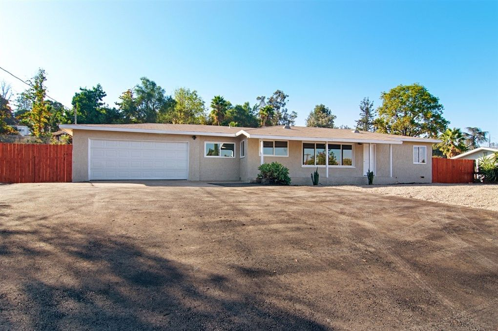 9106 Emerald Grove Ave, Lakeside, CA 92040