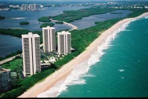 5540 N Ocean Dr Apt 14 A, Singer Island, FL 33404