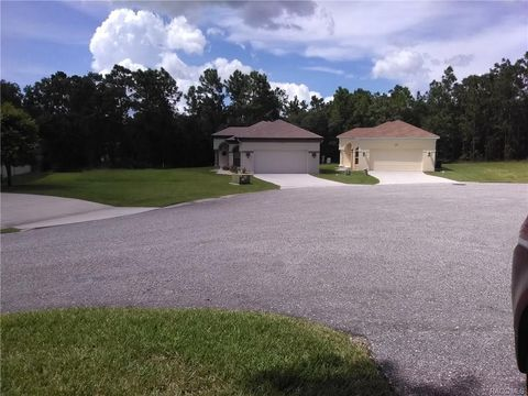 Photo of 8 Weeping Willow Ct Unit 5, Homosassa, FL 34446