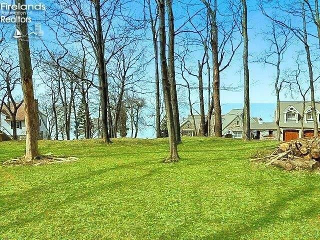 Cliff Rd Port Clinton, OH 43452