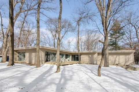 103 Crabtree Rd, East Dundee, IL 60118