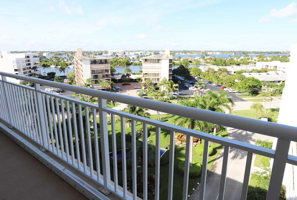 3546 S Ocean Blvd Apt 915, South Palm Beach, FL 33480