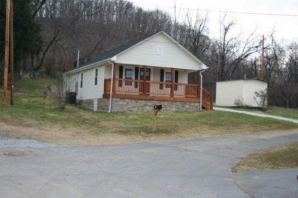 135 Wichita St, Johnson City, TN 37601