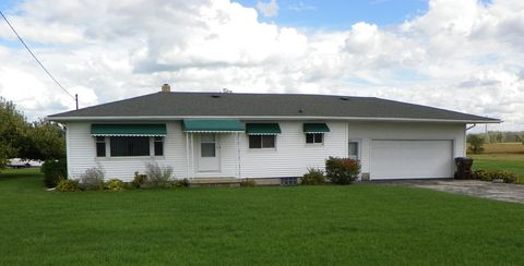 1767 S Huron Rd, Kawkawlin, MI 48631
