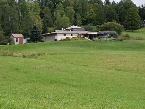 Photo of 348 Partridge Hill Rd, Randolph, VT 05060