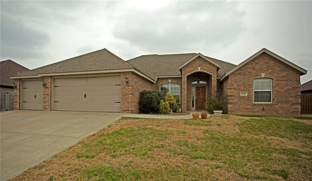 3797 Embry Dr, Fayetteville, AR 72764