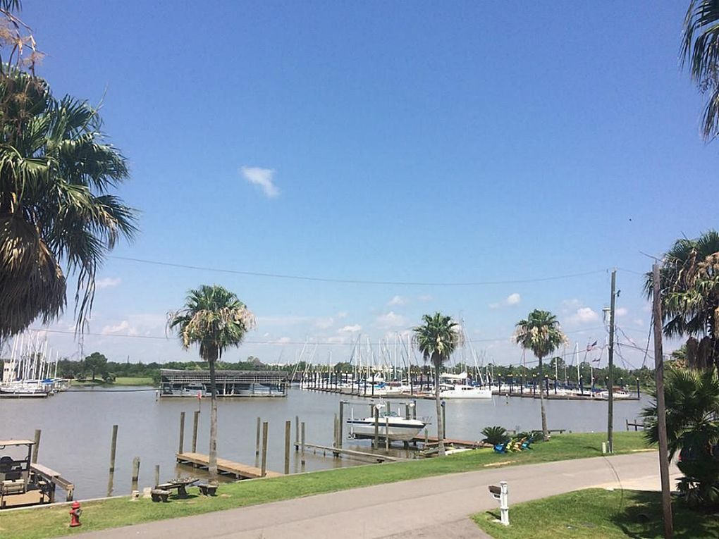 Waterfront Homes In Clear Lake Tx