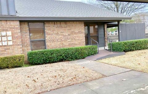 Photo of 25 Overland Route St, Ardmore, OK 73401
