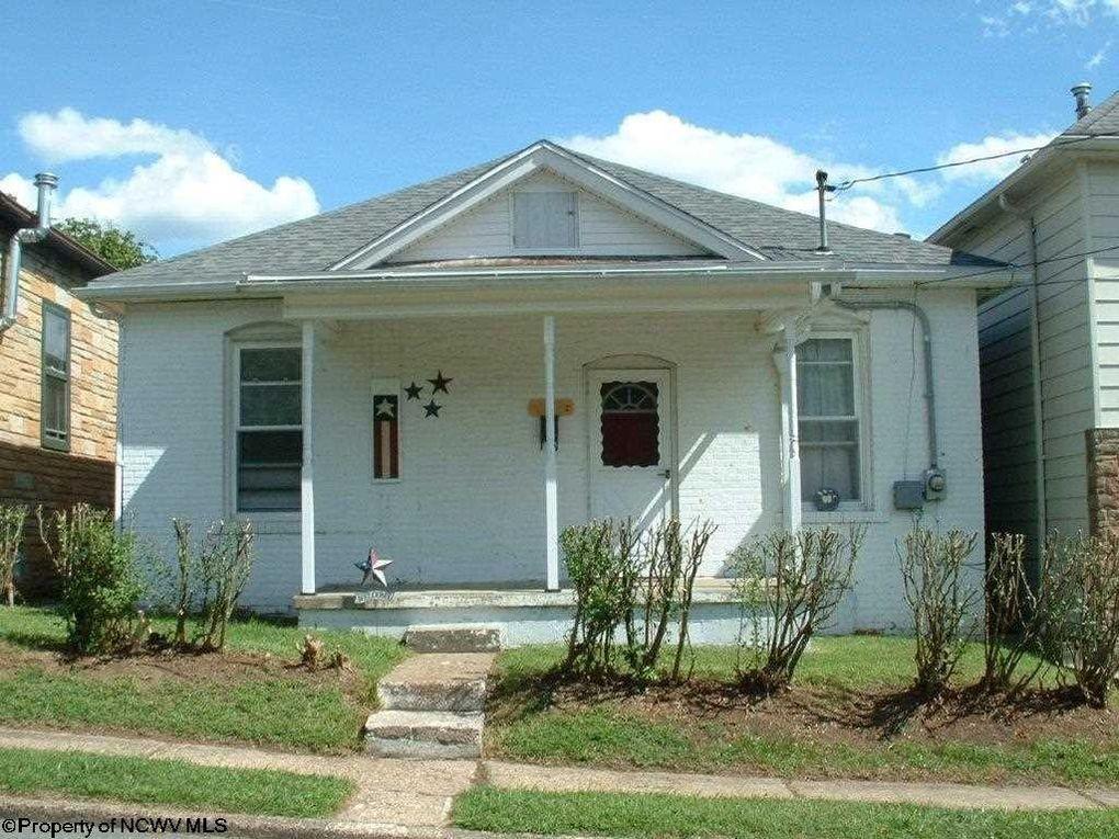 1109 N 25th St, Clarksburg, WV 26301