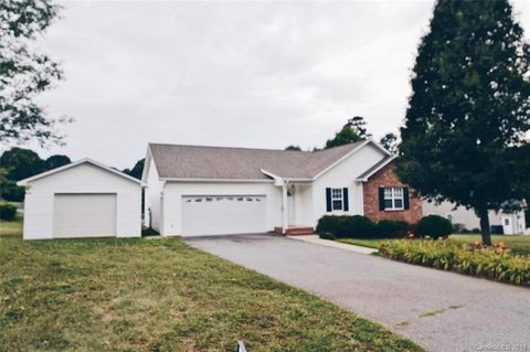 Photo of 5139 Silver Tree Trl, Conover, NC 28613