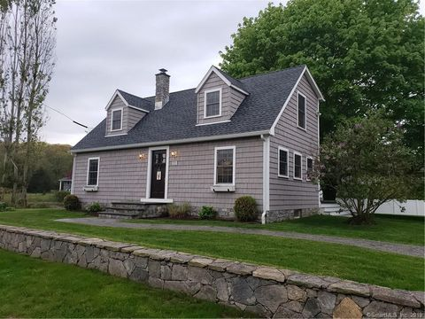 Photo of 110 Hewitt Rd, Stonington, CT 06378