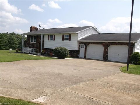 49716 Mc Clure Rd, East Palestine, OH 44413