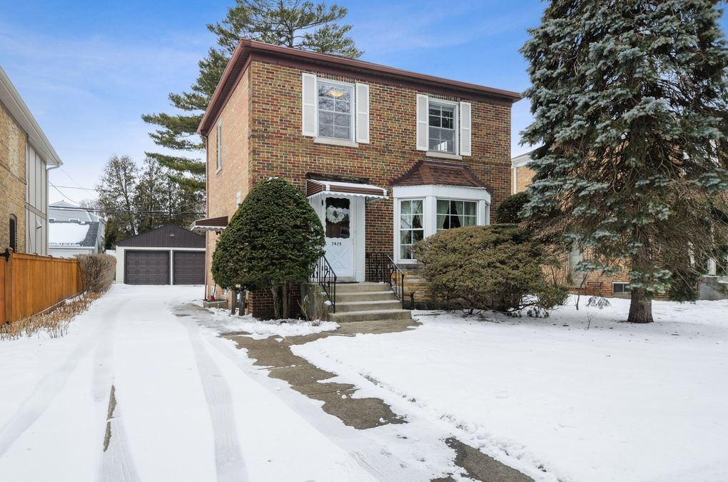 7428 N Odell Ave Chicago, IL 60631