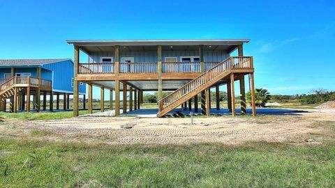 Photo of 703 E Third St, Rockport, TX 78382