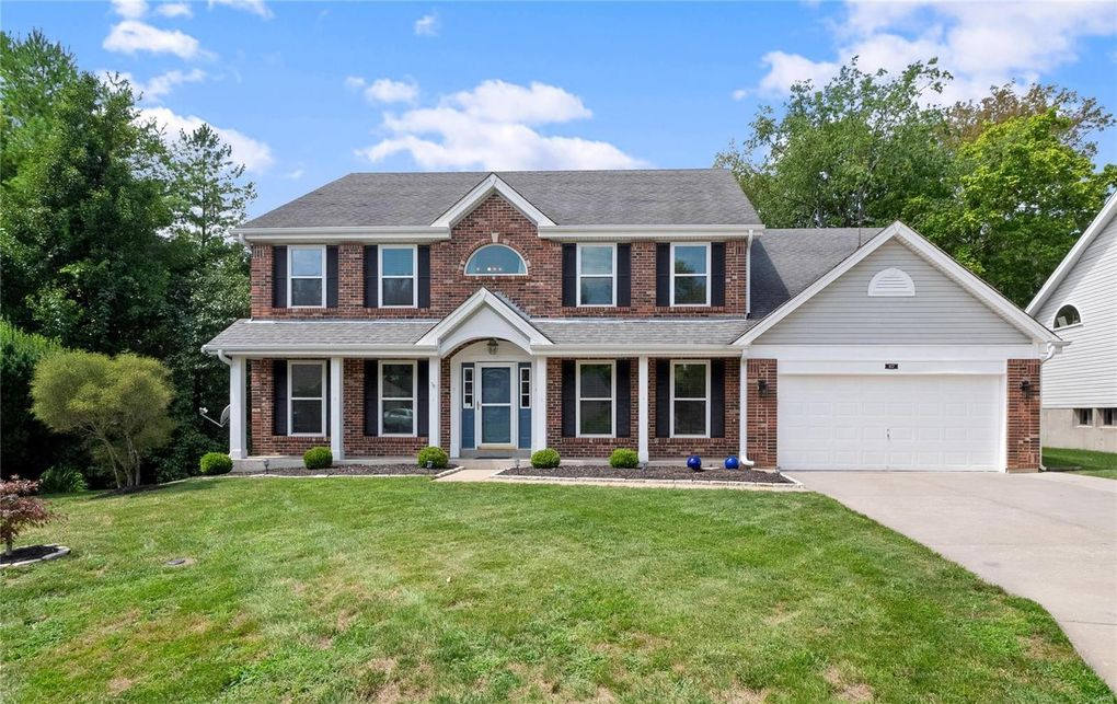 107 Crystal Springs Ct Chesterfield, MO 63005