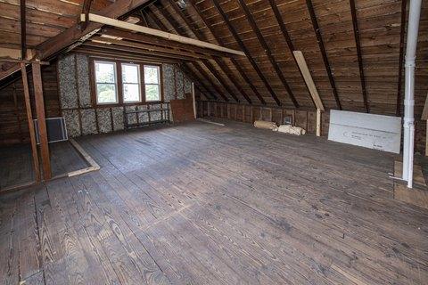 West Allis Wi 2 Bedroom Homes For Sale Realtor Com