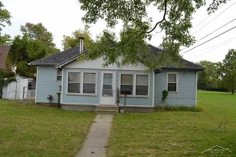 2008 Maple St, Saginaw, MI 48602