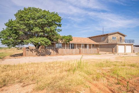 Photo of 808 County Road 30, Lamesa, TX 79331