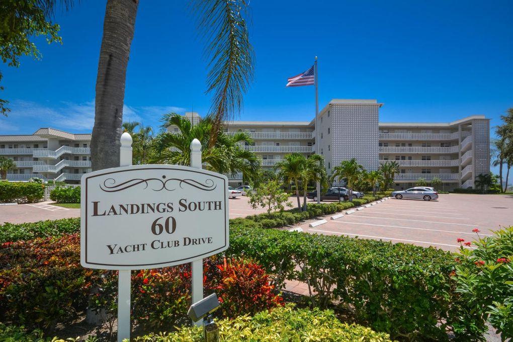 60 Yacht Club Dr Apt 202, North Palm Beach, FL 33408